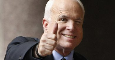 John McCain Date of Death and Cause of Death